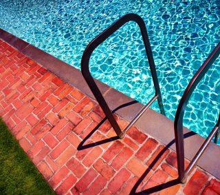 リラックス効果も高い!水泳で無理なく脂肪燃焼できる理由