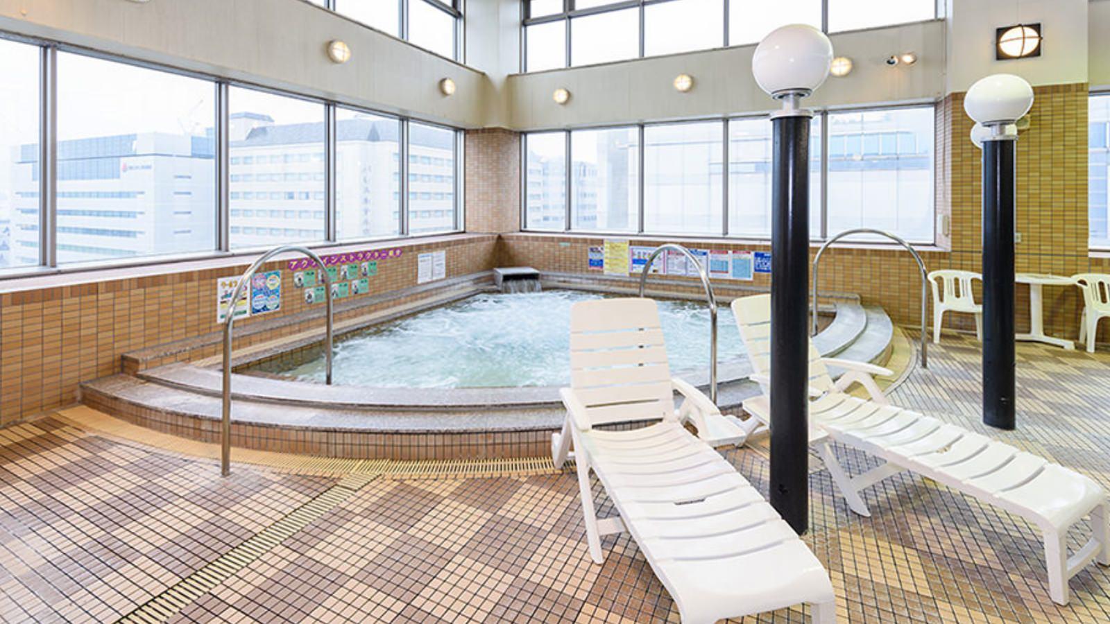 立川店のリラクゼーションプール