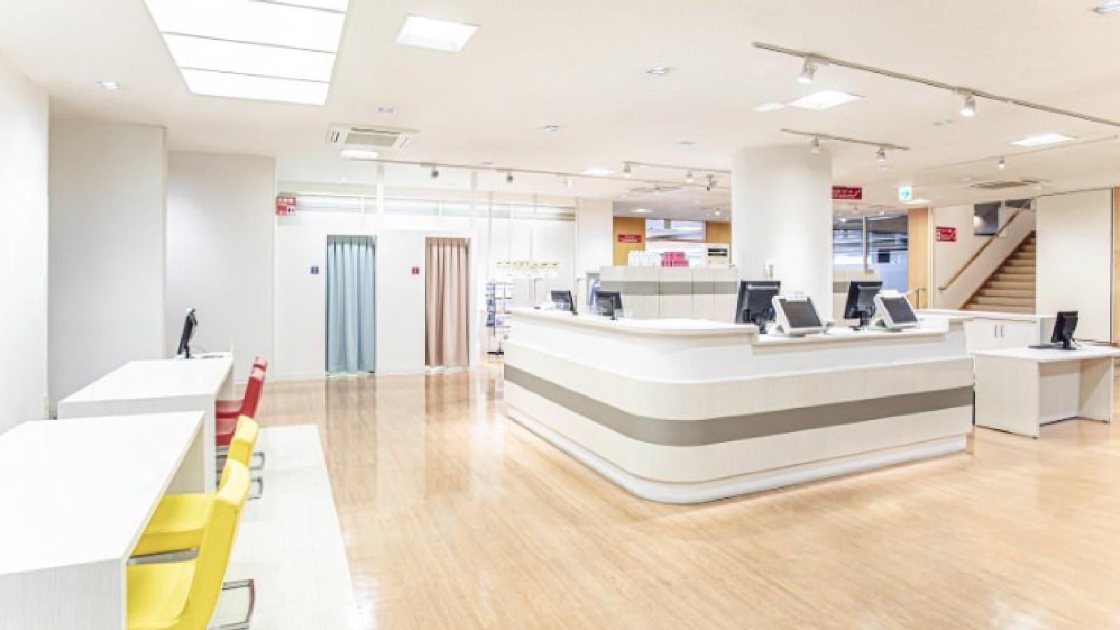 立川店のフロント