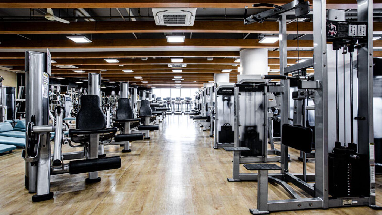 綱島店のトレーニングマシン